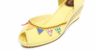 Bunting SHOOOES!! Glorious!