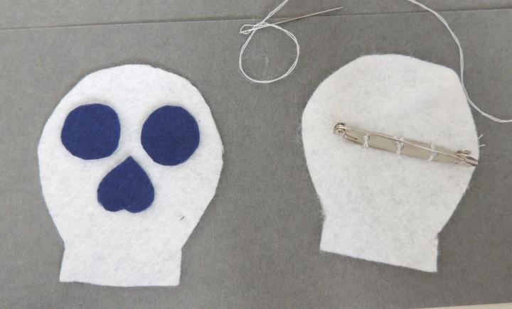 sugar skull brooch details