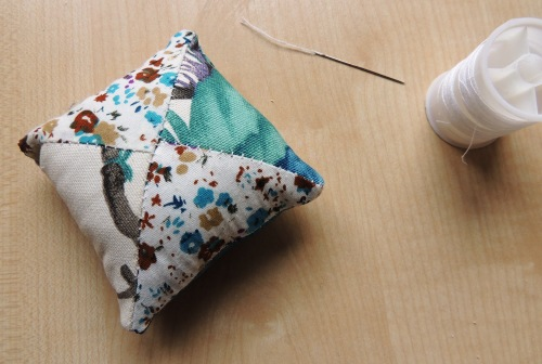 Creativise wrist pincushion 5