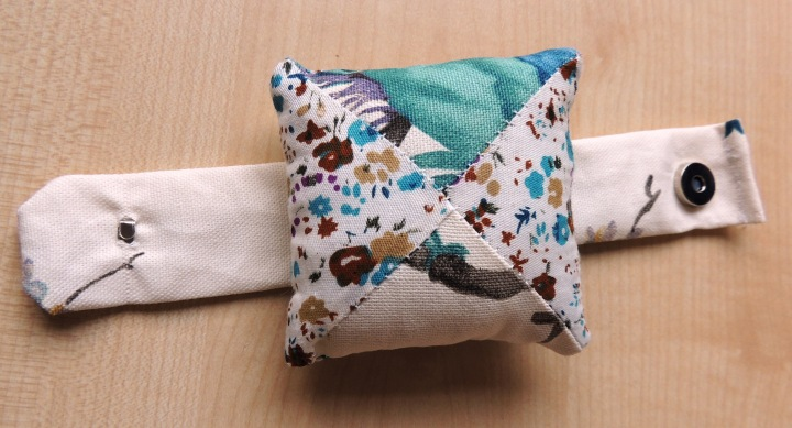 Creativise wrist pincushion 8