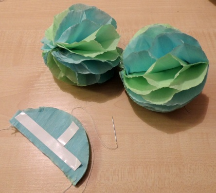 how to make paper poms