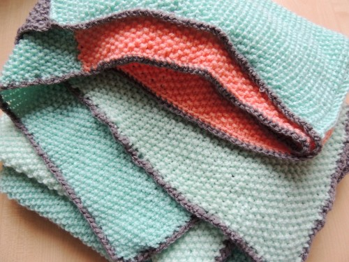 crochet edge on knitted blanket