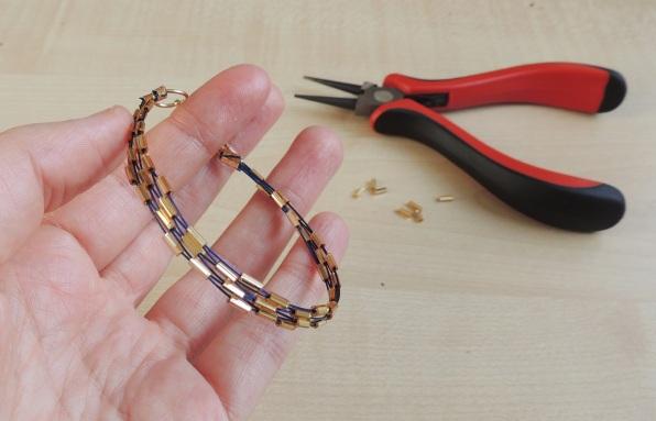 seed bead bracelet edge