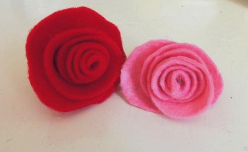 rolled felt roses